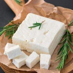 Autentisks grieķu aitas/govs piena siers FETA P.D.O.
