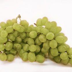 Vīnogas gaišās zaļās bez kauliņa